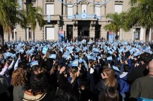 Mas-de-12-mil-alumnos-de-4-grado-prometieron-lealtad-a-la-bandera